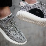 "【イージーブースト350 3色 8月15日発売】Yeezy Boost 350 ""Turtle Dove"" ""Pirate Black"" ""Moon Rock"""