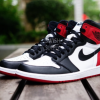 【2016年11月発売】Nike Air Jordan 1 Retro High OG Black Toe (2016)【新リーク画像】