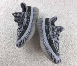 turtle-dove-yeezy-boost-350-glow-in-the-dark-3