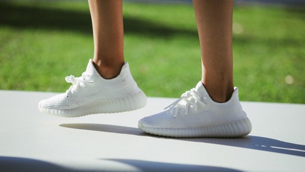 yeezy-boost-350-v2-crystal-white