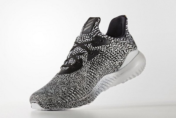 adidas-alphabounce-core-black-metallic-small-3