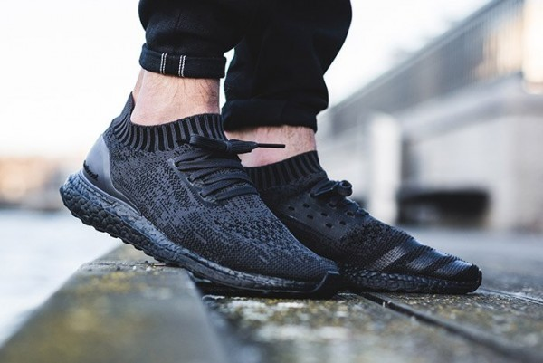 adidas-ultra-boost-uncaged-pitch-triple-black-on-foot-3