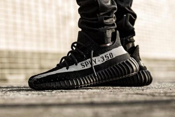adidas-yeezy-boost-350-v2-1-700x468-1