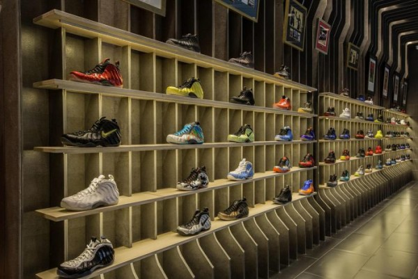 nike-foamposite-retrospective-exhibition-hits-shanghai12-700x468