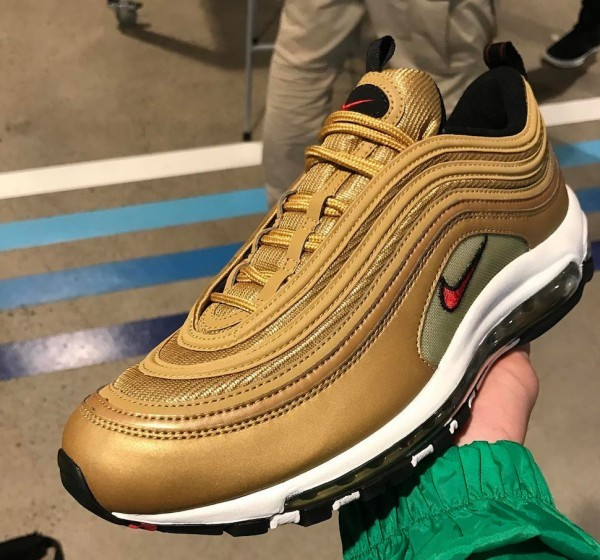 Nike-Air-Max-97-Metallic-Gold-2
