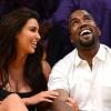 Kanye氏、夫婦お揃いで新作YEEZYスニーカーを着用!!【キムカーダシアン カニエウエスト】