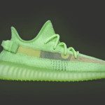 "【5月25日発売】adidas Yeezy Boost 350 V2 ""Glow in the Dark"" EG5293"