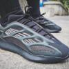 """【2020年春発売】adidas Yeezy 700 V3 """"Black""""【アディダス イージー 700 V3】"""