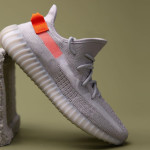 "【欧州限定】adidas Yeezy Boost 350 V2 ""Tail Light"" FX9017"