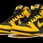"""【2020年末に発売】Nike Dunk High """"Black Varsity Maize""""【ナイキ ダンク ハイ】"""