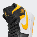 "【7月18日発売】Air Jordan 1 Mid WMNS ""Laser Orange"" CV5276-107"