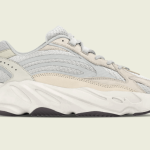 "【2021年発売】adidas Yeezy Boost 700 V2 ""Cream""【イージーブースト700 V2】"